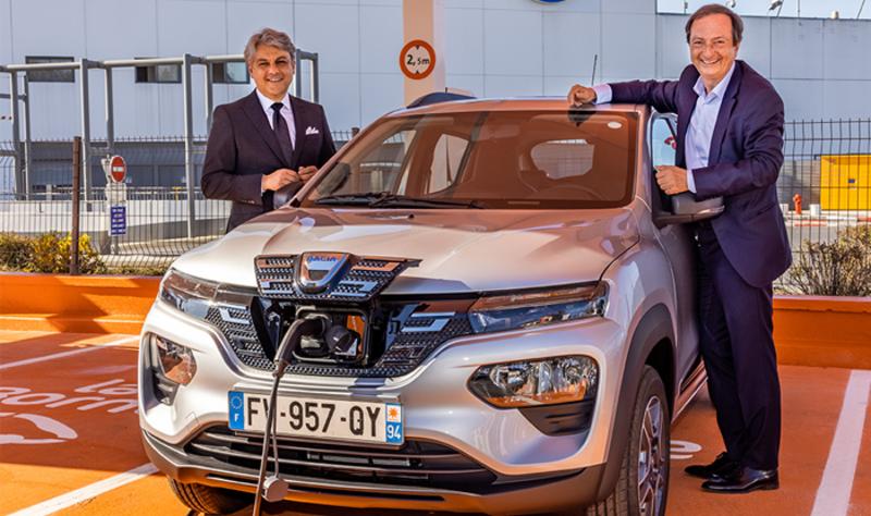 Uzņēmums E.Leclerc Location saņēmis pirmās 100% elektriskās Dacia Spring automašīnas